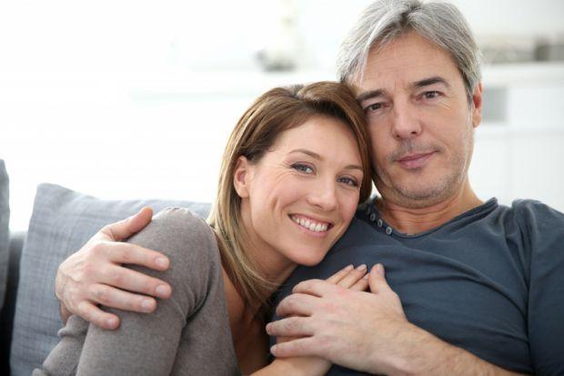 Не секрет, що інтимна близькість і оргазм позитивно впливають на настрій, допомагають позбутися від стресу і навіть володіють знеболювальним ефектом.