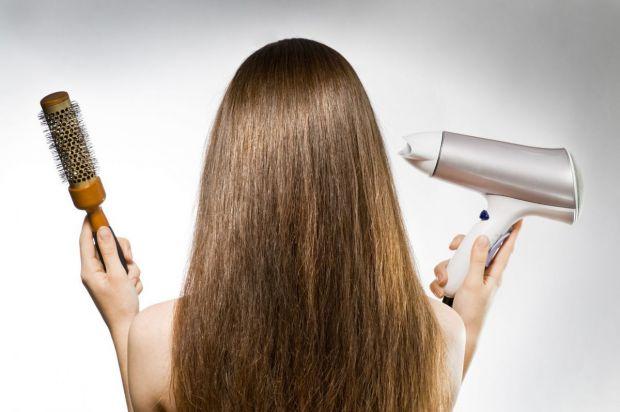 Випадіння волосся навесні може відбуватись через виснаження організму в зимовий період.