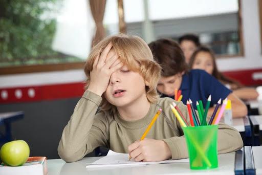 Існує безліч причин, чому дитина не хоче ходити в школу.