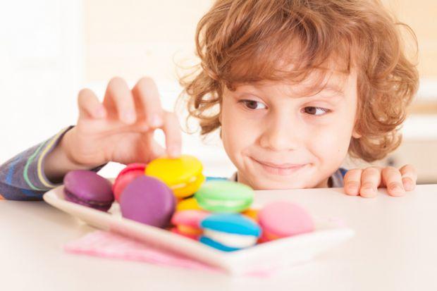 Варто обирати корисні солодощі для дитини.