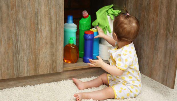 Небезпечні предмети для дитини