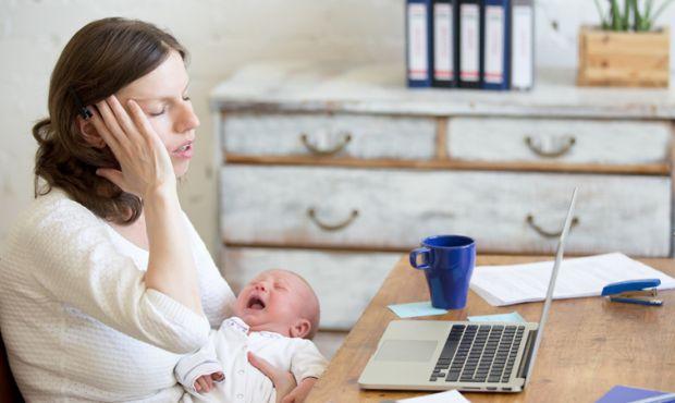 Кількість випадків післяпологових депресій зросла в два рази серед матерів, що доглядали за немовлятами під час карантинних обмежень, викликаних корон