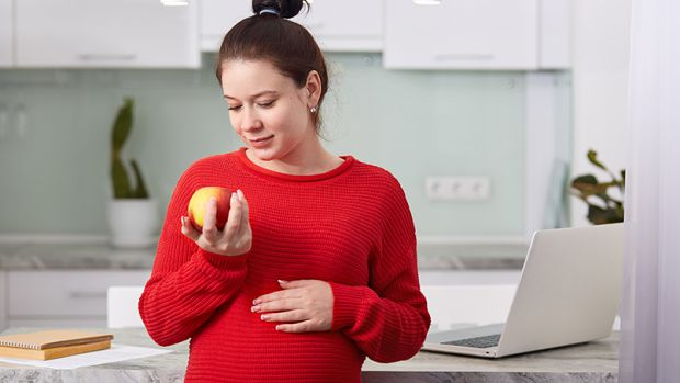 Американські вчені вирішили з'ясувати, чому у вагітних серцева недостатність розвивається так само, як і у людей похилого віку. Мова йде про післяполо