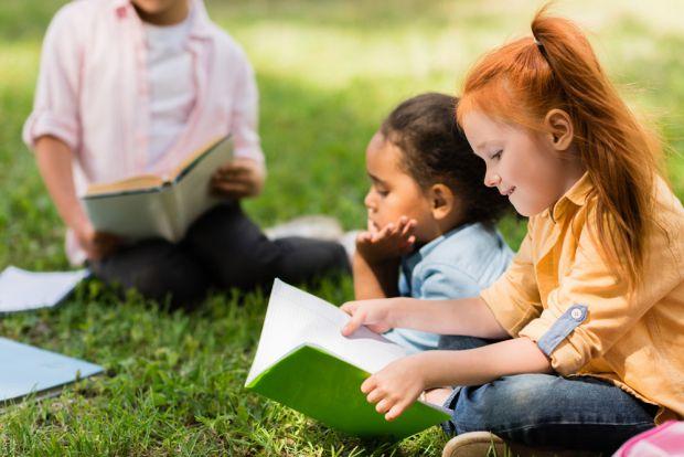 Привчати до читання дитину