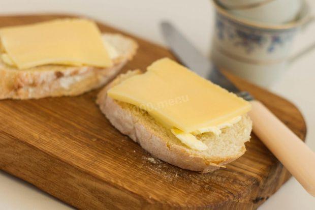 Хліб з маслом впливає на фігуру