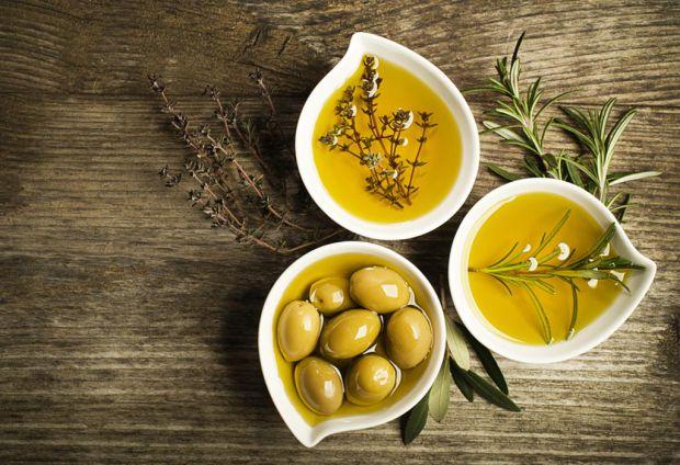 Оливкова олія - продукт, який подарує довголіття.