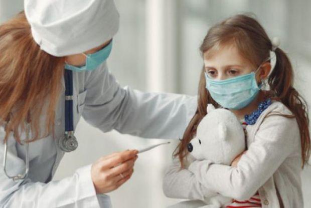 Факторами підвищеного ризику COVID-19 є: гіпертонія, діабет, серцево-судинні захворювання і респіраторні проблеми. Однак астма в свою чергу може зігра