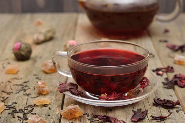 Якщо ви будете пити чай з гібіскусу щодня, то зможете нормалізувати артеріальний тиск.