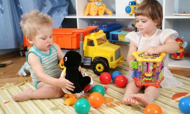 Вчені з Данії виявили, що 25% іграшок для дітей містять шкідливі речовини.