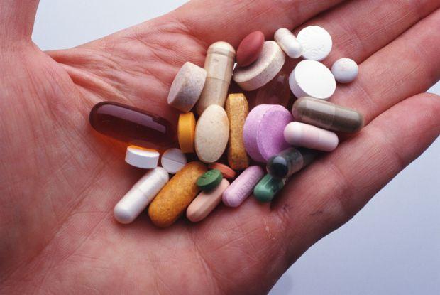 Численні дослідження щодо впливу вітаміну D на ризик розвитку ковіду приходили до протилежних результатів. А нове показало, що вітамін все ж може заст