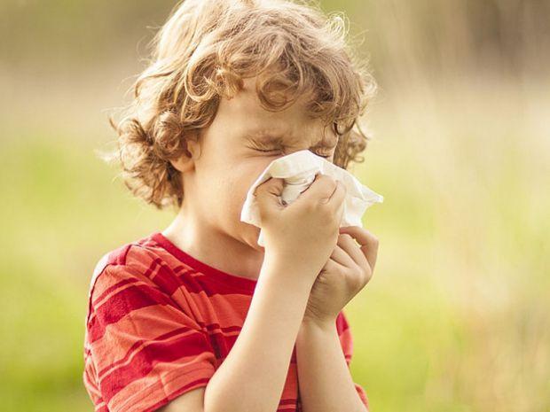 Згідно з новим дослідженням Університету Східної Англії, батьки дітей з харчовою алергією мають справу зі значним занепокоєнням, тривогою і посттравма