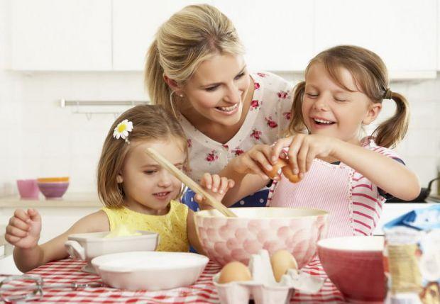 Нашим мамочкам потрібно навчитись деяких французьких підходів до виховання дітей.