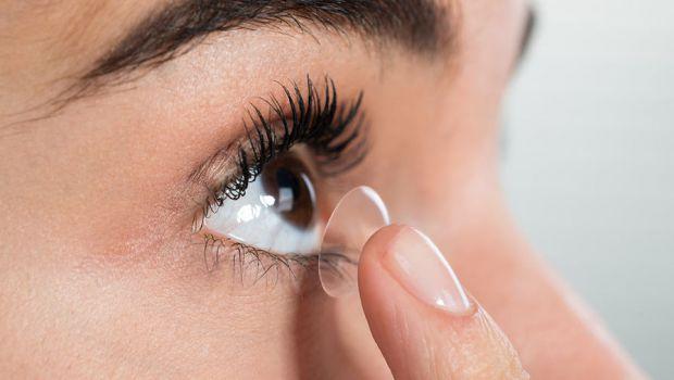 Золотий пил в контактних лінзах допоможе в боротьбі з дальтонізмом за рахунок блокування специфічних різновидів світла. До такого висновку прийшли дос