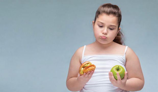 Дослідження показало, що наявність зайвої ваги в дитячому віці погіршує здоров'я людини після 40. Наприклад, кожен третій британець середнього віку ма