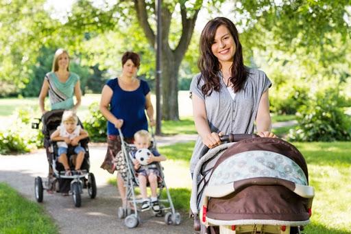Для немовляти однаково шкідливі і переохолодження і перегрів, адже процеси терморегуляції у нього ще не налагоджені, до того ж протягом всієї прогулян