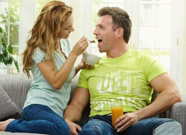 Популярні народні методи можуть допомогти чоловікам у інтимній сфері.