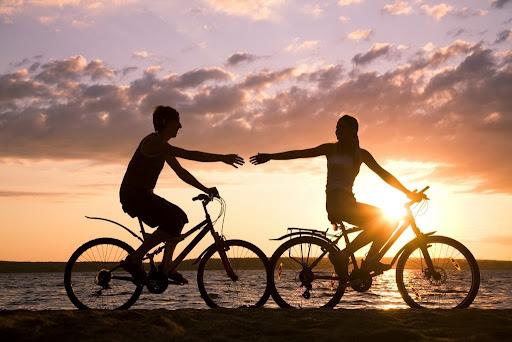 Незважаючи на те, що їзда на велосипеді позитивно позначається на здоров'ї людини, при тривалих поїздках вона може виявитися небезпечною для