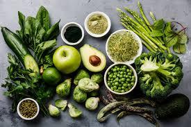 Зелене листя дуже красиво виглядає в салаті, але вони часто мають гіркуватий смак.