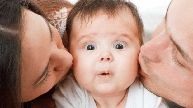 Небажані обійми та поцілунки для дитини