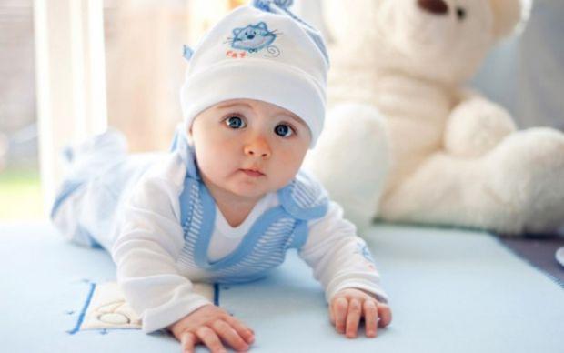 тільки 4% майбутніх мам знають, яким реально має бути перший натільний одяг маляти.