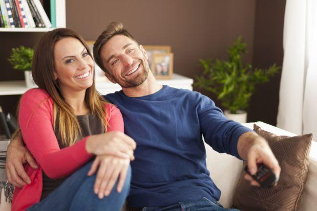 Щоб уникнути монотонності в шлюбних відносинах, яка наздоганяє багато пар, введіть у своє життя кілька простих правил. Їх дотримання і бажання позбути
