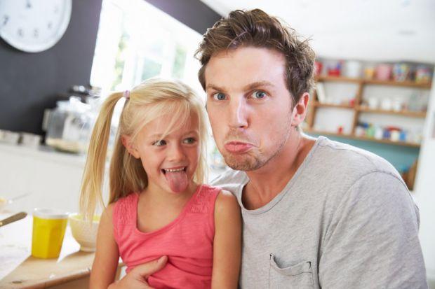 У сім'ях, які бажають завести дівчинку, необхідно уважно стежити за вагою чоловіка. Дослідження показало, що наявність зайвої ваги у представників сил