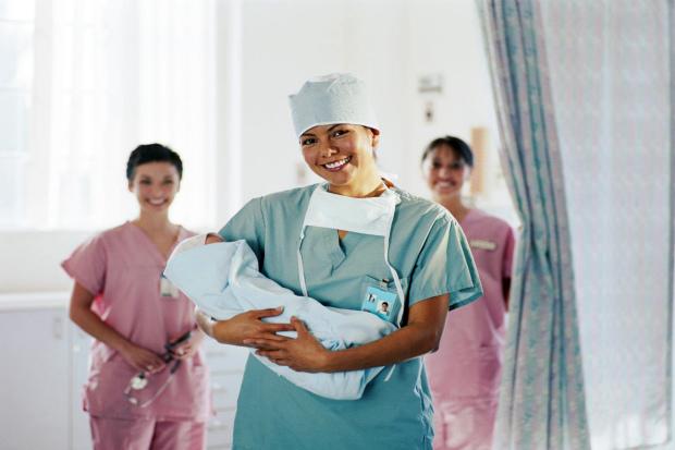 Акушер-гинеколог, наверное, самый важный врач для беременной. Ведь правильно принять роды и помочь самой будущей маме в экстренной ситуации способен н