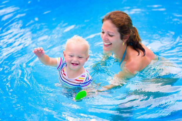 7 причин віддати дитину на плавання.