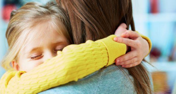 Завдання батьків допомогти малюкові адаптуватися до правил дитячого садка, - навчити свого малюка бути більш самостійним.