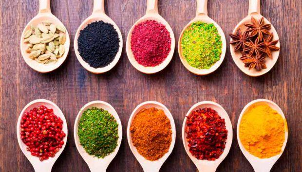 Приправи - це інгредієнти, які перетворить будь-який набір продуктів в приголомшливу страву.