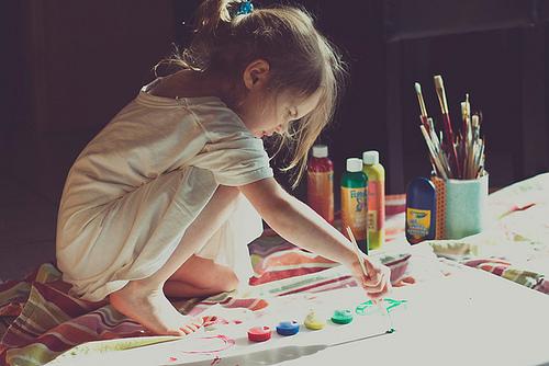 Скільки добра і ніжності у цьому відеоМаленька історія про чарівну художницю Лілі, яка своєю добротою і оберемком олівців здатна змінювати світ на кра