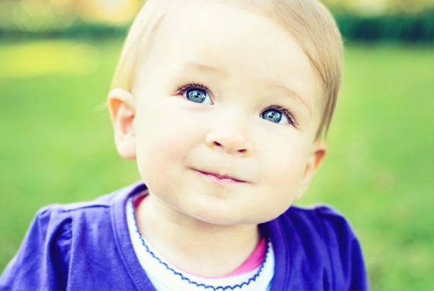 В більшості випадків, кофеїн надходить в організм дітей з газованою водою, чаєм та кавою.