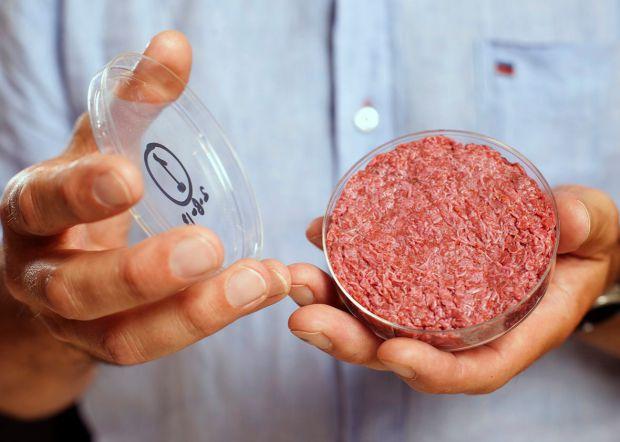 Вчені проаналізували результати досліджень і з'ясували, які продукти можуть викликати рак.