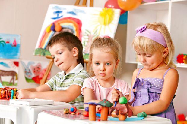 Ваш малюк вже настільки підріс, що пора віддавати його в дитячий садок? Це може стати для нього справжнім психологічним шоком - перехід зі звичної дом