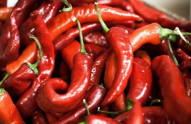 Американські вчені з університету Пердью прийшли до висновку, що гострий червоний перець позитивно впливає на процес схуднення.