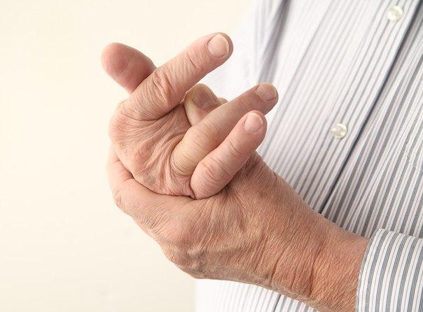 Чи полюбляєте ви хрускати пальці? А чи знаєте, що це може призвести до виникнення артрозу?