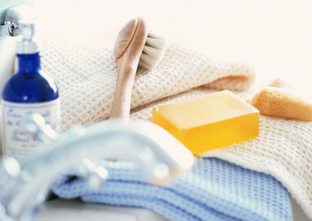 Щоб уникнути різних неприємностей і запальних процесів, мити інтимні частини тіла потрібно тільки теплою водою. Крім того, при підмиванні не можна вик