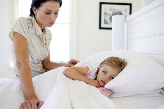 Що робити, якщо дитину нудить і вона починає блювати - читайте у матеріалі.