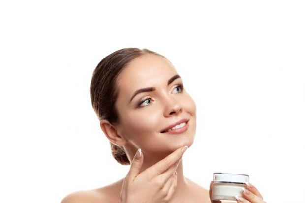 Якщо ти думаєш, що купила крем, який тобі ідеально підходить, і все - для того, аби він діяв, потрібно його нанести на обличчя, то ти помиляєшся! Крем