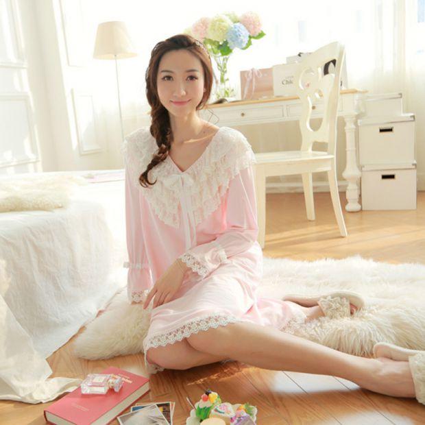 Интернет-магазин MosHalat.Ru предлагает широкий ассортимент женского и мужского нижнего белья, домашней одежды и аксессуаров для занятий активными вид