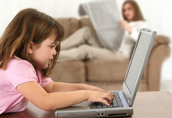 Віртуальна  школа – проект, який  спрямований на створення навчальних відео – уроків українською мовою для дітей.  Створені  ролики допоможуть  дітям