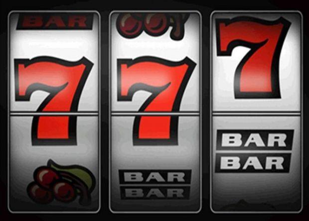 Ігровий автомат - це спеціальне обладнання, встановлене в гральному закладі або онлайн в інтернеті, використовується для азартних ігор з грошовим вигр