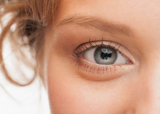 MesoEye C71 ін'єкційний препарат, який використовується для корекції області повік і зони навколо очей.