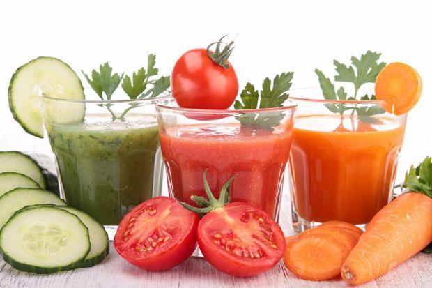 Серія досліджень ще раз переконала вчених в користі свіжих соків, а ще дозволила назвати найкорисніший напій. Як не дивно, їм названий томатний сік пр