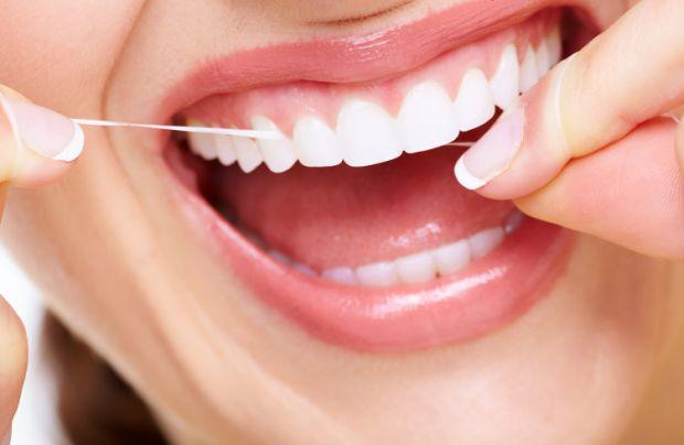 Наукові співробітники проаналізували приблизно 18 видів зубних ниток і дізналися, що всі вони можуть бути надзвичайно небезпечні для здоров'я.