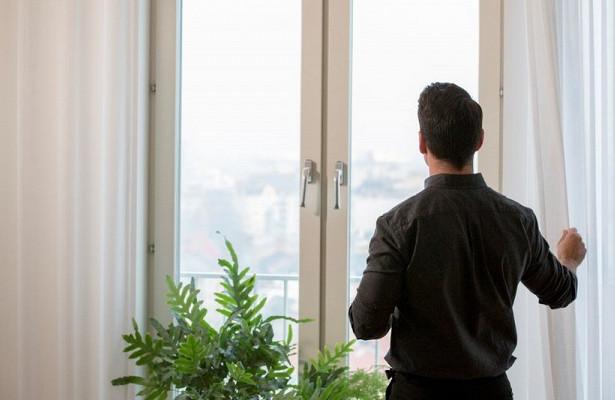 Компанія IKEA представила фіранку, здатну очищати повітря. Меблевий гігант представив поки тільки прототип, однак повідомив, що серійний продукт надій