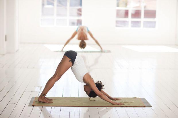 Стрункі, гладкі, без целюліту, з пружними м'язами, помірною мускулатурою – такі ніжки можуть бути у кожної, завдяки легкому фізичному навантаженні.
