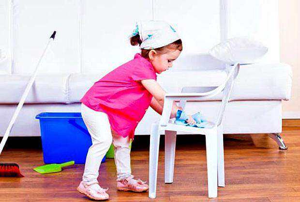Психологи вважають, що діти й батьки багато в чому рівні. Істотна відмінність полягає лише в тому, що дорослі несуть матеріальну відповідальність за с