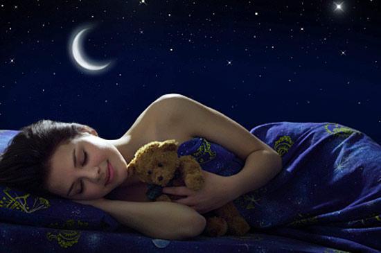 Проблеми зі сном можуть вибити із колії навіть дуже спокійну людину. Для того, щоб не кидатися на всіх через погане самопочуття, краще подбати про про