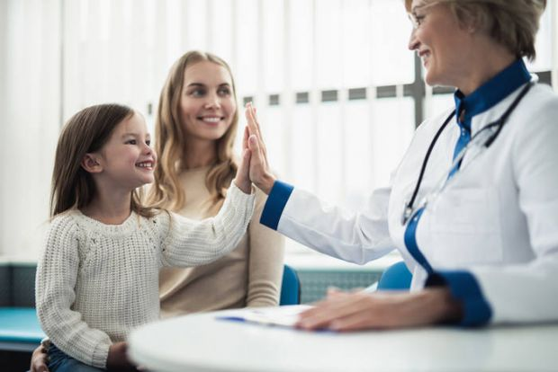 Зазвичай батьки не замислюються про те, щоб відвести дочку до гінеколога, як мінімум до підліткового віку і виникнення проблем.